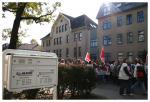 Zwischenkundgebung vor dem Jobcenter